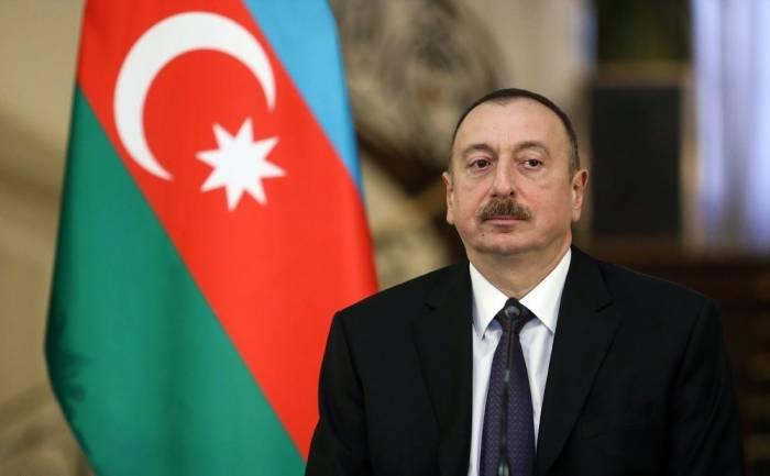 Ilham Aliyev nimmt am D-8-Gipfel teil