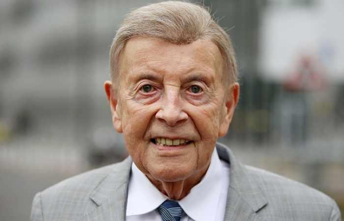 92-Jähriger Professor wird umschwärmt
