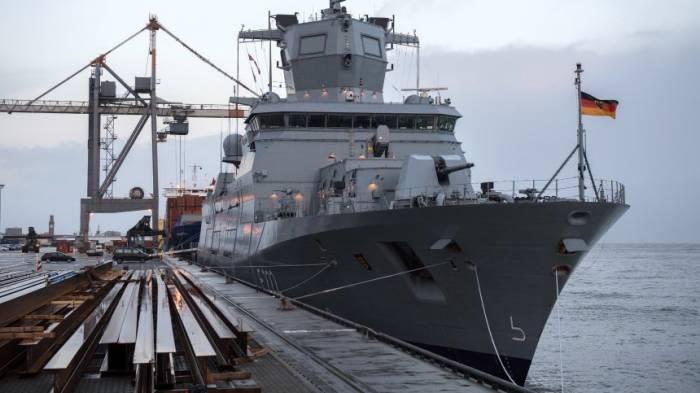 Hightech-Fregatte fährt in die Werft statt in die Karibik