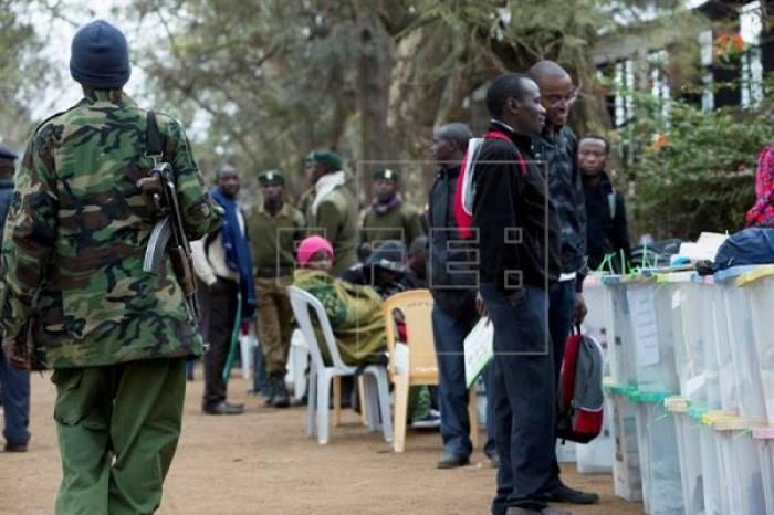 Kenia continúa el recuento de votos en medio de denuncias de fraude electoral