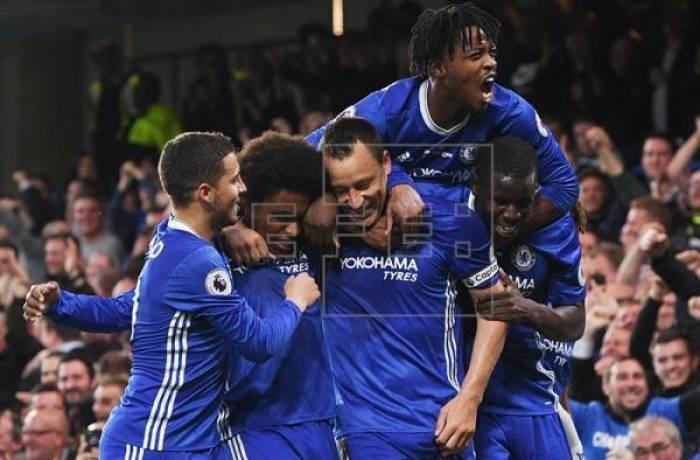 Pasillo de campeón del Watford al Chelsea en Stamford Bridge