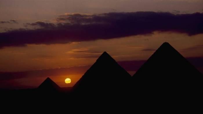 Zwangen Vulkane Kleopatra in die Knie?