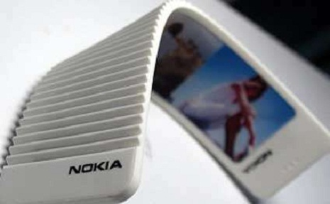 """Qatlanan """"Nokia"""" hazırlanır"""