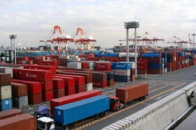 Iran eyes Azerbaijan as hub for exporting goods to region