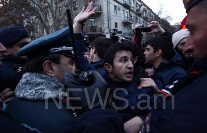Clashes occur between demonstrators and police in Yerevan