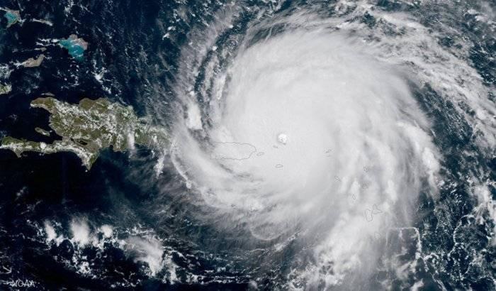 Huracán María alcanza categoría 2 y se prevé que siga aumentando su intensidad