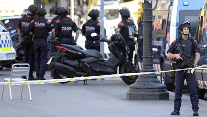 Six civils et un policier blessés dans un nouvel attentat au sud de Barcelone