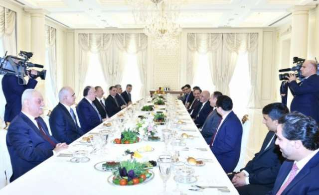Azerbaijani, Afghan presidents have joint working dinner
