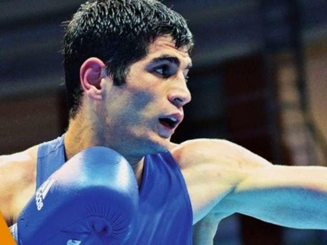 Azerbaijani boxer advances to quarterfinals at Baku 2017