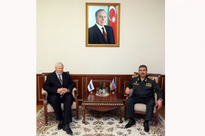 Azerbaijani defense minister discusses with Andrzej Kasprzyk current situation on contact line