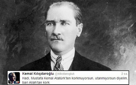 Atatürkü Allahla bir tutdu