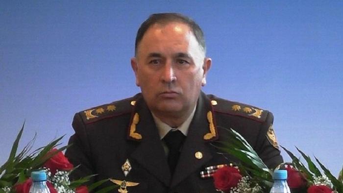 """Generaldan xəbərdarlıq: """"Ordu haqqında danışanda diqqətli olun!"""""""
