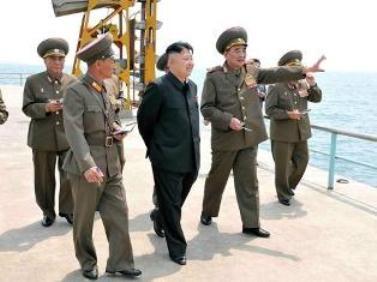 Prezident hərbi gəmiləri gizlətdi