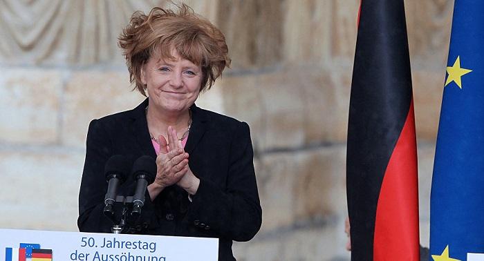 Ist Putin Auch Fur Merkels Frisur Verantwortlich
