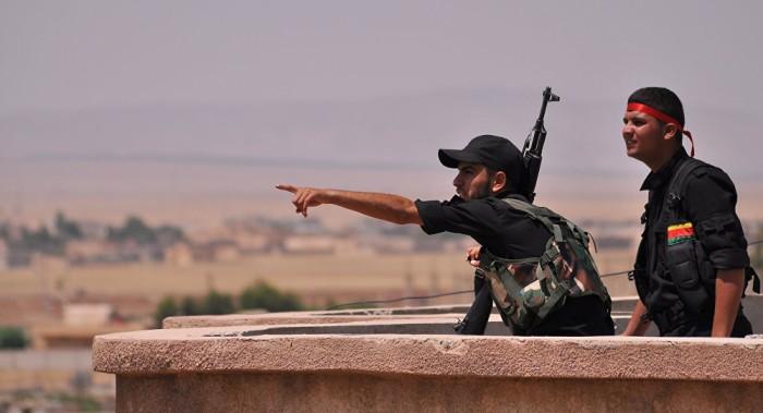Los kurdos sirios afirman que expulsaron a las fuerzas proturcas de una aldea fronteriza