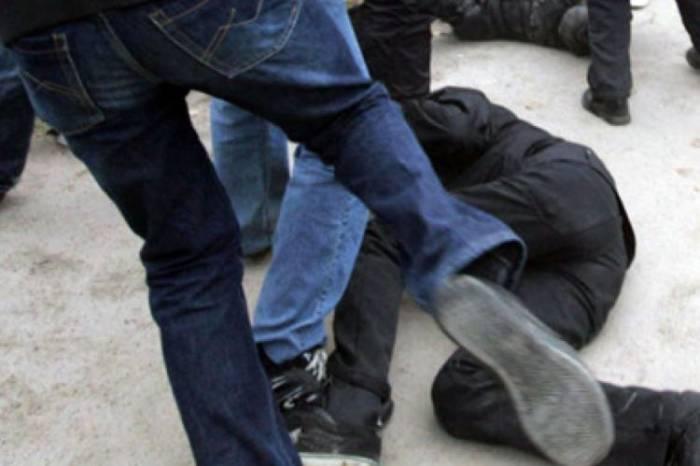 Bakıda kütləvi dava: İki nəfər bıçaqlanıb (VİDEO)