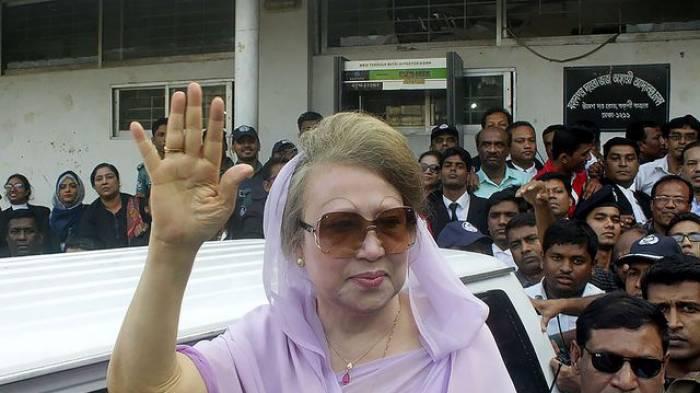 Bangladesh: mandats d'arrêt contre la dirigeante de l'opposition