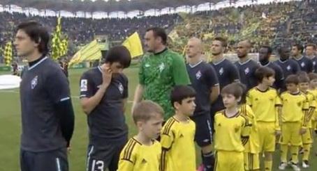 Keçmiş futbolçumuzdan himnə hörmətsizlik - VİDEO