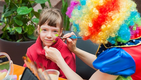 Leyla Əliyeva rusiyalı uşaqları sevindirdi - FOTOLAR