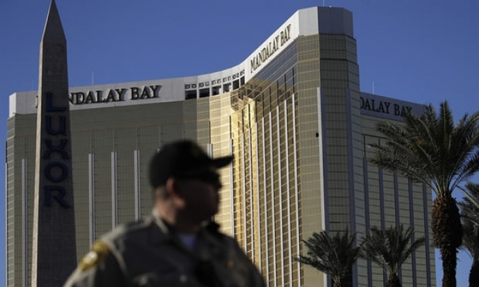 Las Vegas gunman shot security guard six minutes before mass killing began