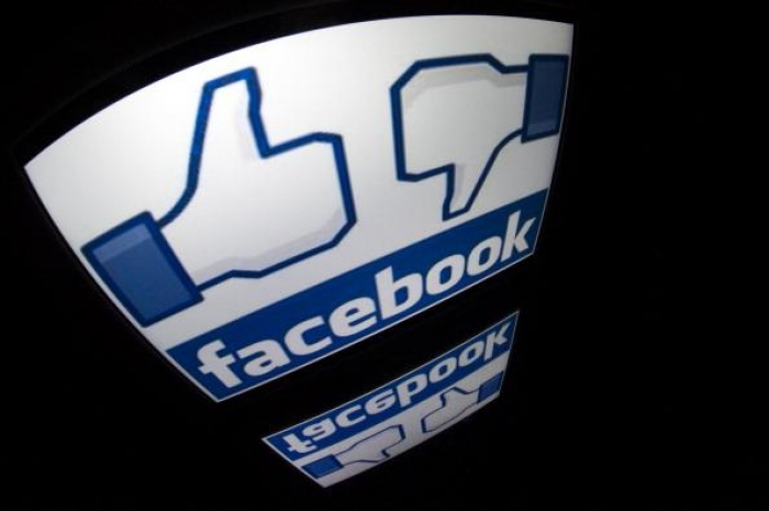 Man who invented 'Like' button removes Facebook from his iPhone