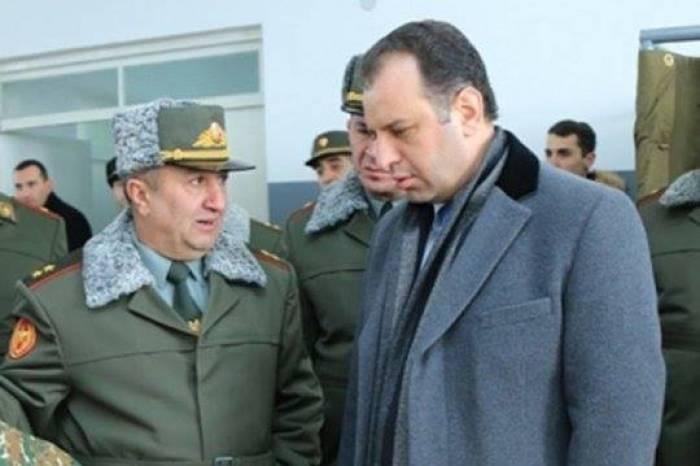 """Sarksyán se puso a realizar la operación de """"limpieza""""-El blanco es el jefe del Estado Mayor"""