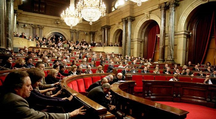 El Parlament empieza a tramitar la primera ley de ruptura