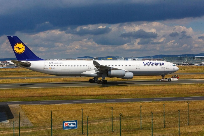 Lufthansa plane evacuated at Belgrade airport after bomb threat call