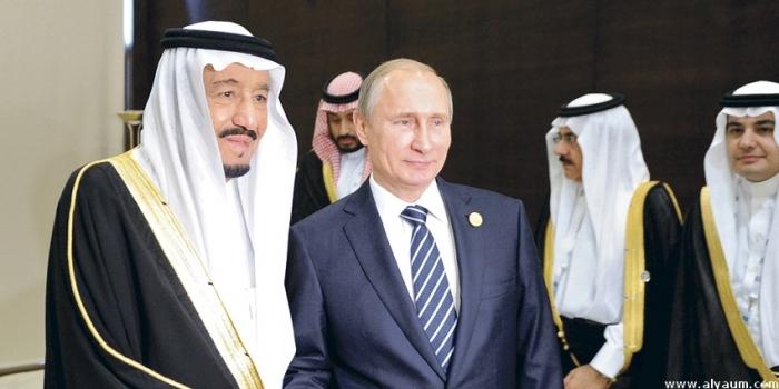 """الملك سلمان: السعودية حريصة على """"استقرار سوق النفط"""""""