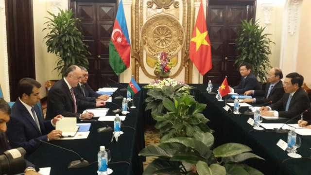 Mammadyarov abordó el conflicto de Nagorno Karabaj con su par vietnamita