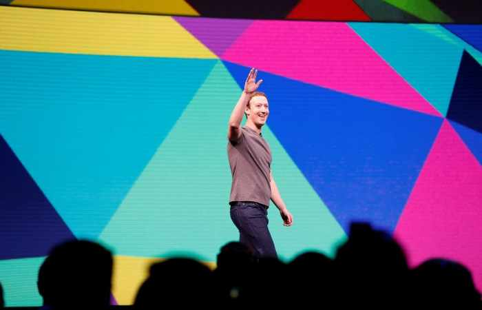Mark Zuckerberg looked to a post-smartphone future at F8