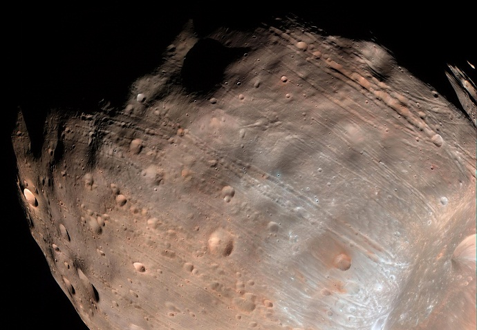 Gravity will rip Martian moon apart to form dust and rubble ring