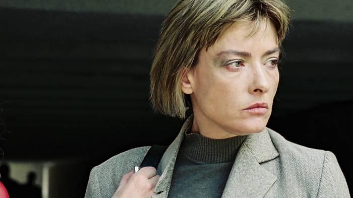 Məşhur gürcü aktrisa mənzilində ölü tapılıb
