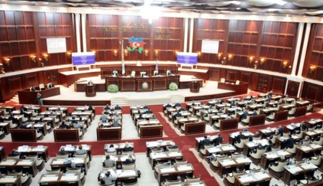 YAP-çı deputatlarının sayı 72 oldu - SİYAHI