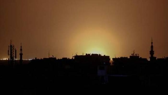 Israël bombarde un dépôt d'armes près de Damas