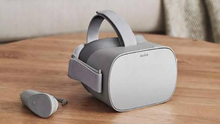 Facebook dévoile un casque de réalité virtuelle à bas coût - VIDEO