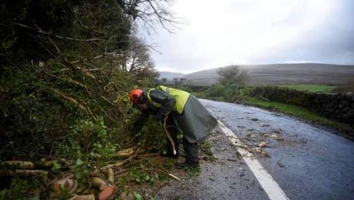 Irlande: des foyers encore sans électricité après Ophelia