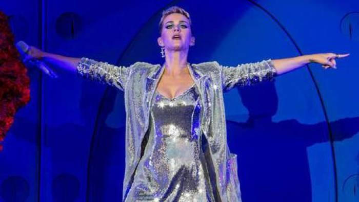 Katy Perry est la première à dépasser les 100 millions d'abonnés sur Twitter