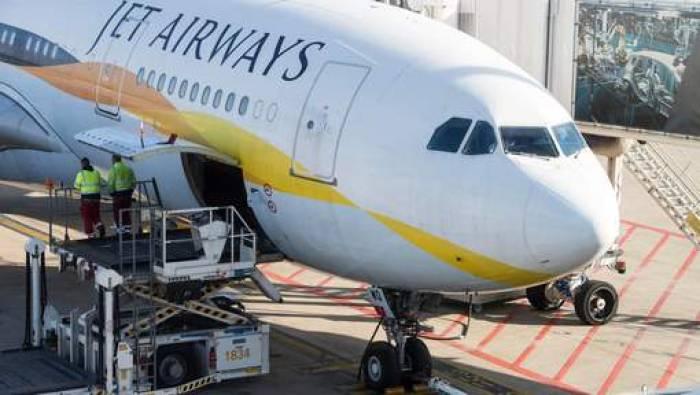 Des vols gratuits à vie pour un bébé né en avion