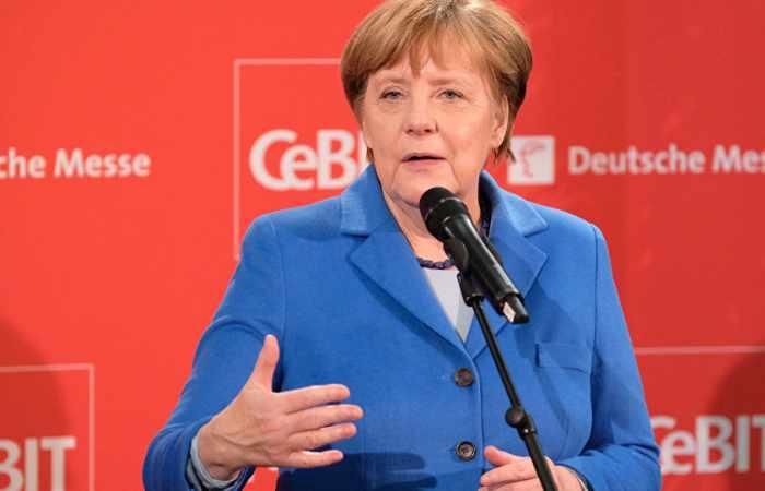 Merkel calls for creating single European rules of data usage