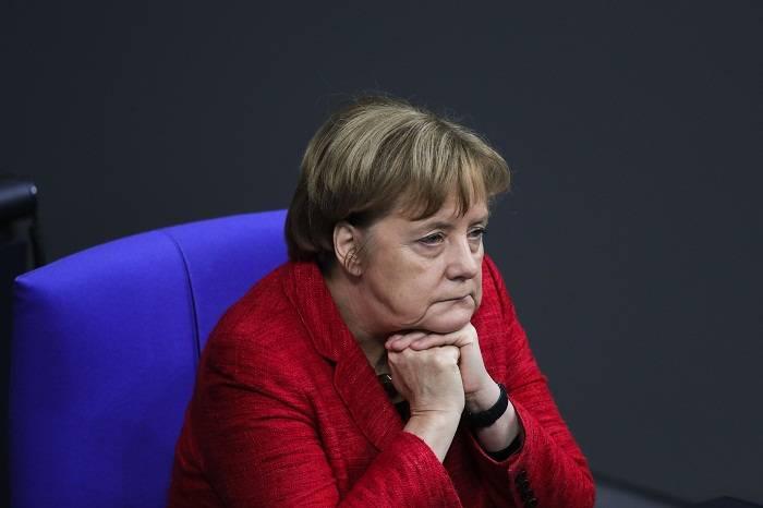 Merkel Qorbaçova təşəkkür etdi