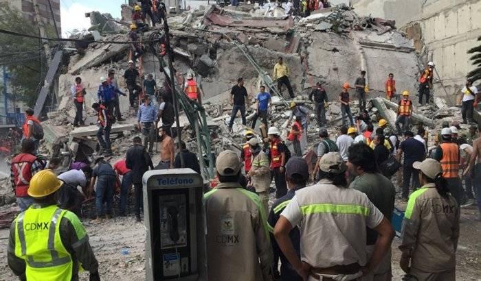 Peña Nieto promete reconstruir el sur de México en cuatro meses