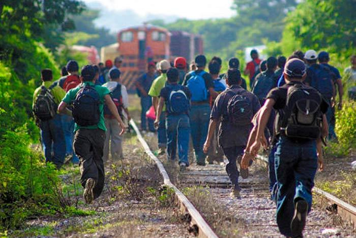 México abre las puertas a la caravana migrante