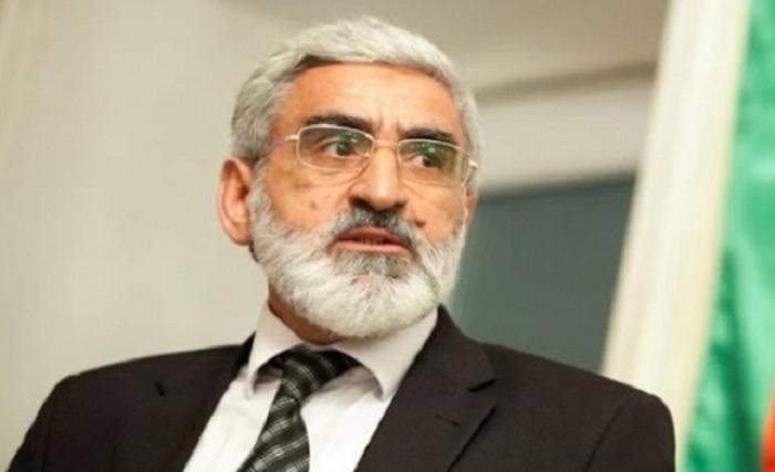 Mirmahmud Mirəlioğlunun müşaviri istefa verdi