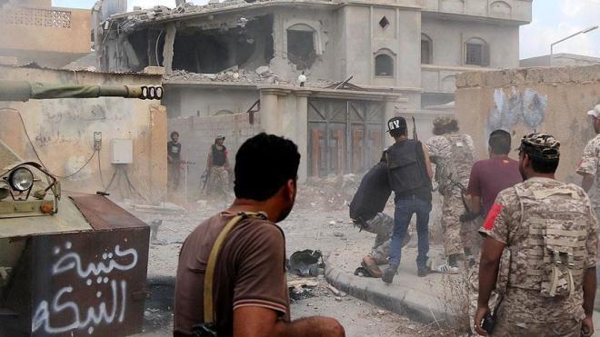 Məsciddə terror törədən 15 silahlı öldürülüb