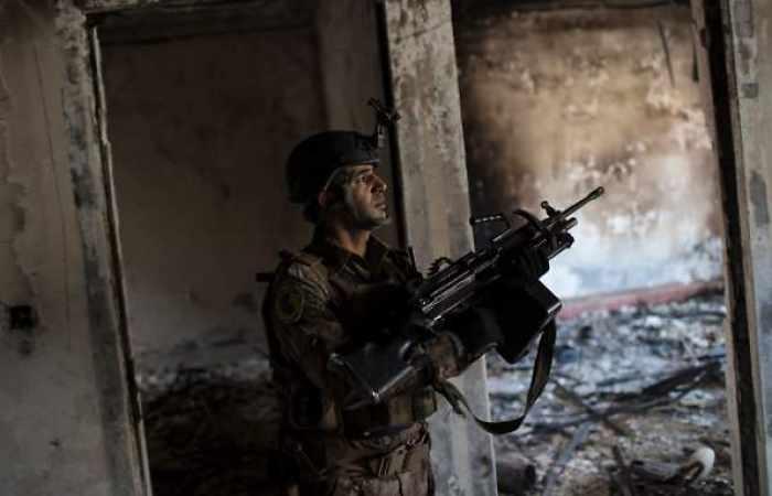 Elitesoldaten rücken auf große Moschee vor