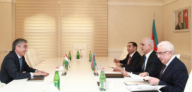 Tacikistanla iqtisadi əlaqələr müzakirə edilib
