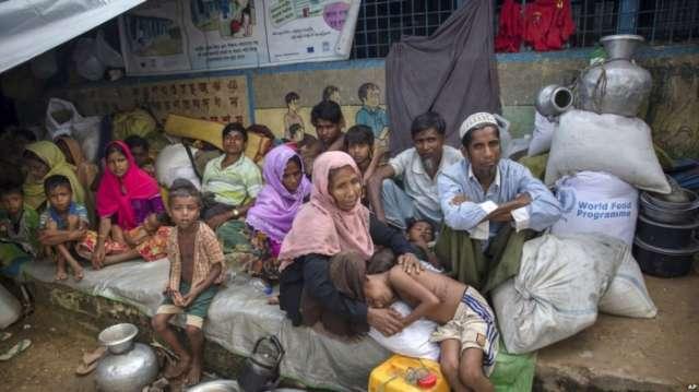 Pope to Meet Myanmar Military Chief, Rohingya