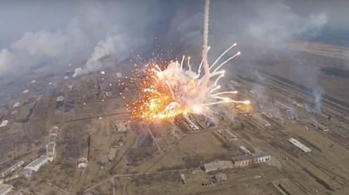 Ermənistan ordusunun silah anbarında partlayış -