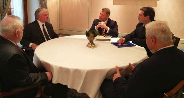 Finalizadas las conversaciones respecto a Nagorno Karabaj en Cracovia-Actualizado